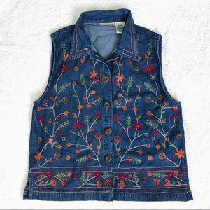Units | Jean Top With Embroidered Flowers